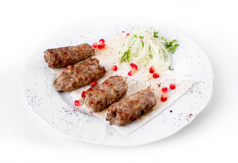 Рецепт люля-кебаб на шампурах из свинины