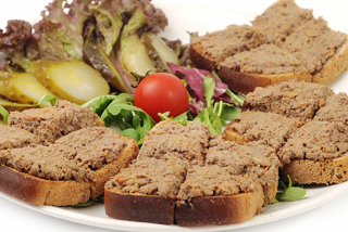 Chicken liver roll with toasts
