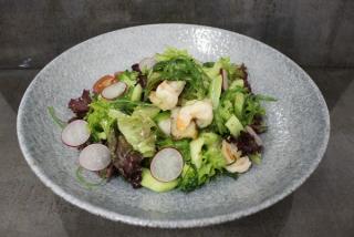 Salată cu fructe de mare