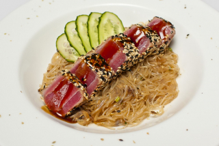 Crystal noodles with tuna