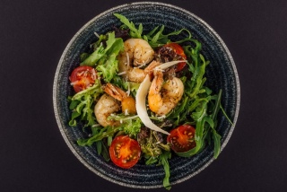 Rucola with shrimps