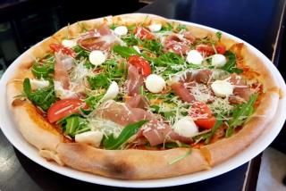 """Pizza """"Prosciutto si rucolo"""""""