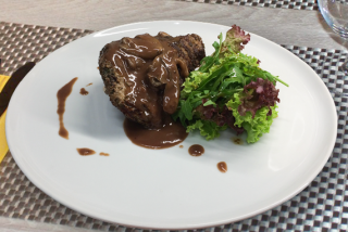 Tenderloin Steak with Wine Sauce