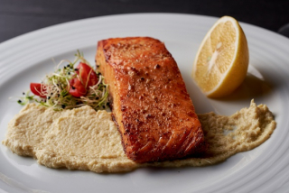 Salmon with artichoke paste