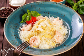 Fettuccine with shrimp