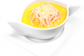 Cream soup with chicken and parmesan