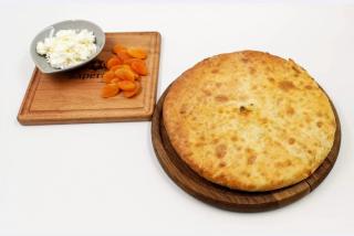 Осетинские пироги с абрикосом, персиком и творогом