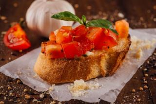 Bruschetta with tomatoes, garlic and basil