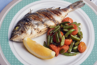 Dorada grilled with vegetables