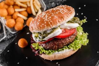 Burger Caprese