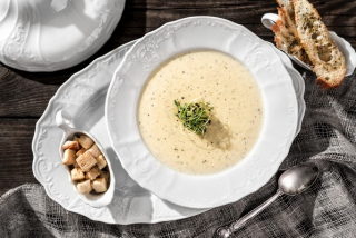 Cream soup with potatoes and truffle paste