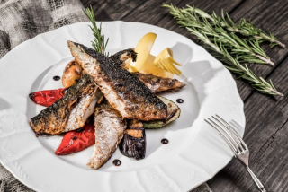Mackerel with grilled vegetables