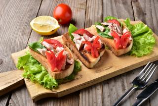 Bruschetta with tuna