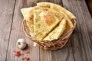 Focaccia with garlic