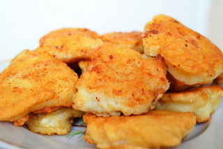 Pike perch fillet, fried in egg