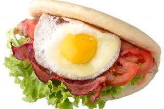 Egg & Bacon (cîrnăciorul la alegere)