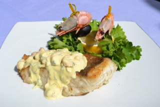 Shawl bowl with shrimp sauce