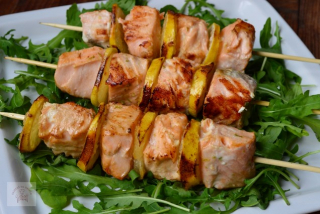 Salmon with rucola