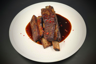 Cherry-wood smoked beef ribs