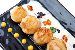 Гребешки Cан-Жак  с соусом из фуа-гра