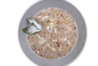 Buckwheat porridge on milk