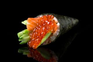 Ikura Hand Roll