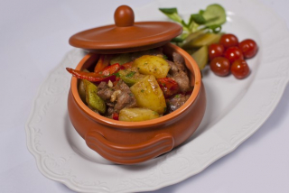Stewed vegetables with chicken liver and hearts