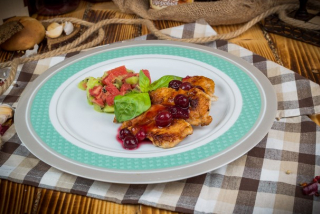 Turkey with cranberry sauce and fruit tartare