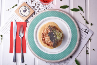 Rabbit steak with mozzarella