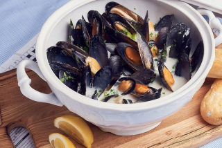 Black Sea mussels in a creamy sauce