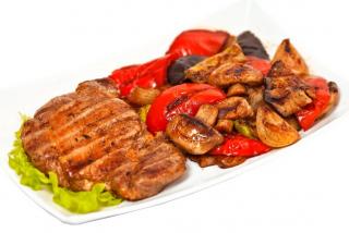 Pork mushrooms with grilled vegetables