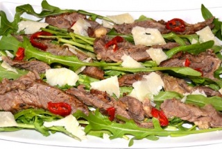 Beef with rucola