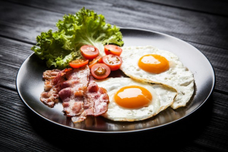 Fried Eggs Sunny Side Up with Bacon