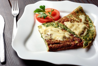Omelette with spinach