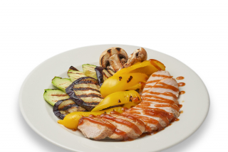Steamed turkey meat with grilled vegetables