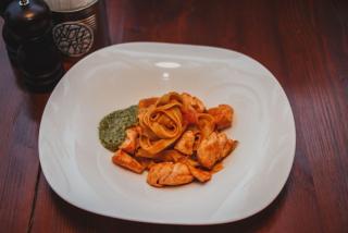 Pasta with salmon and pesto