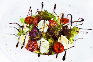 Light salad with Mozarella cheese