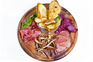 Air-dried meat plate