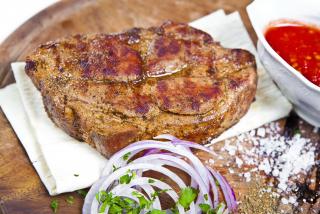 Steak din ceafa de porc