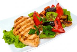 Филе куриное с овощами  гриль