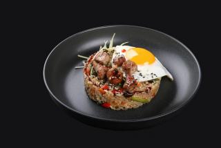 Тайский рис со свиным мясом