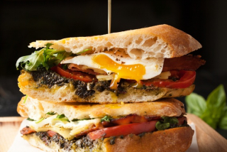 Rozmarin breakfast sandwich