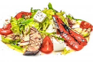 Salad with grilled vegetables, cherry tomatoes and cheese feta