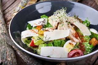 Caesar salată cu pui