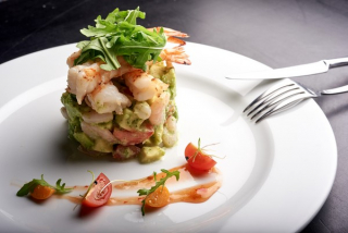 Avocado salad with shrimps in cucumber sauce