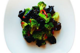 Salad with broccoli and mushrooms
