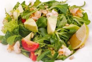 Salată cu rucola și crevete