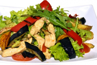 Hot salad with chicken
