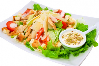 Salată Cesar clasic