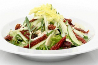 Green salad with apple